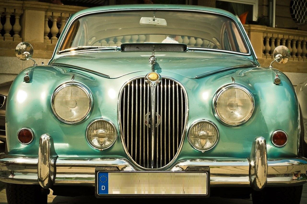 Comment expliquer le succès des marques de voitures anglaises ?